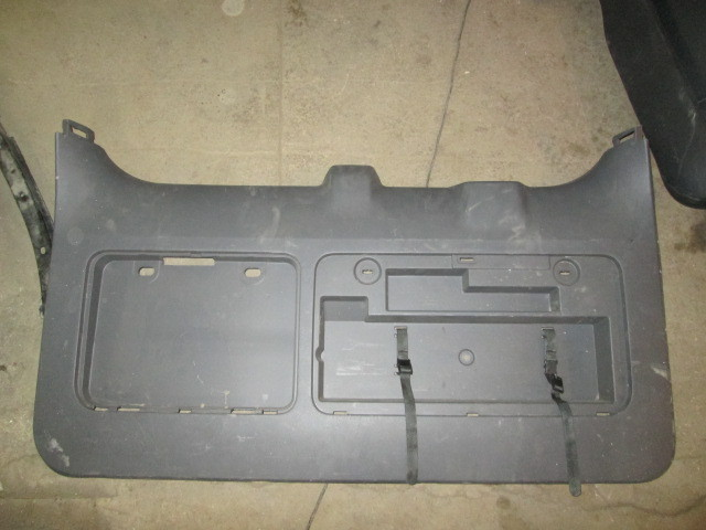Обшивка двери багажника Toyota Land Cruiser Prado 150 2009-2013 на Toyota Land Cruiser Prado 150
